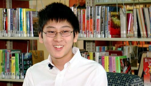 中国侨网15岁的华裔学生William Wang成为最年轻ACT测验满分学生。(美国《世界日报》援引KJRH电视台)