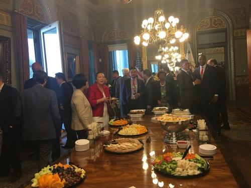 中国侨网白宫举行亚太裔传统月庆祝招待会,来自亚太裔社区的众多代表出席。(美国《世界日报》/莫天成供图)