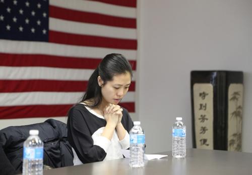 美国华裔警官刘文健殉职近3年 遗孀为其诞下女儿