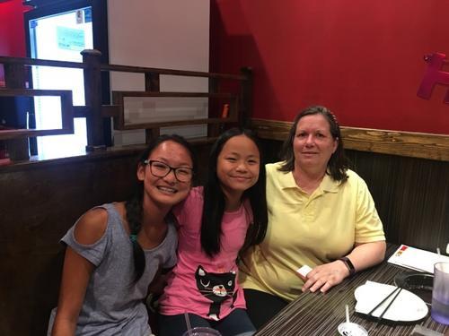 美国世界日报_中国孤儿美国父母 领养家庭欢聚一堂分享温馨故事-中国侨网