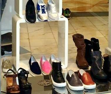 中国侨网意大利华人夫妇被预防性扣押的位于普拉托市一家奢侈品商店。(意大利欧联网)