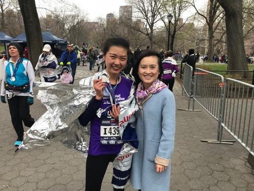 纽约女子半程马拉松开跑华人跑者热情高(组图)