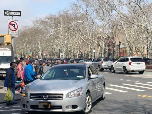 纽约华裔过马路被撞重伤司机逃逸律师给赔偿建议