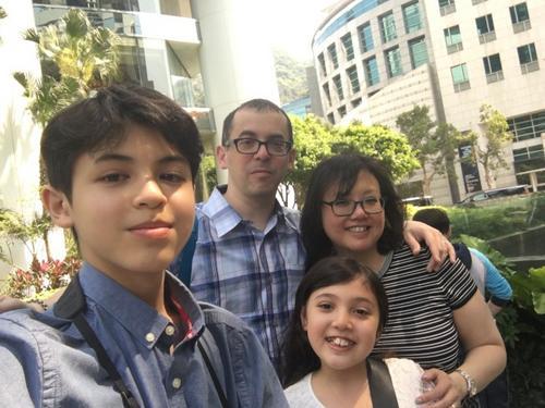 """美国14岁华裔男孩跻身""""厨神""""立志开餐厅"""