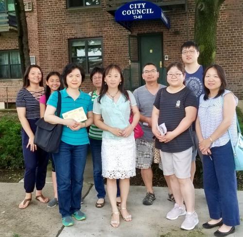 纽约皇后区华裔家长访市议员 抗议特殊高中改革
