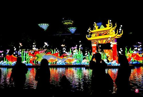新加坡滨海湾花园举办中秋灯会邀民众踏上奇幻之旅