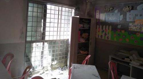 中国侨网火灾导致教室被熏黑,事发时教室内没有学生,因此无人受伤。(马来西亚星洲网)