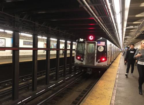 纽约大学中国留学生地铁站跳轨身亡案件正在调查