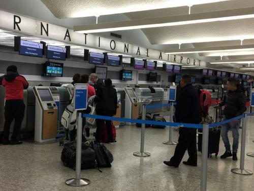 机票超售华人回美上不了机:网上提前办登机好处多