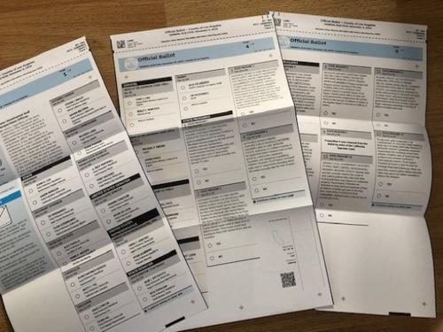 美国阿县中文选票遭错译纰漏错误出现谁负责?