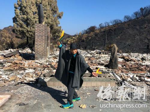 美国华裔画家火灾后返家园:烧毁的都是心血
