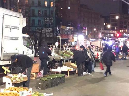世界日报:纽约华埠厢型车车祸死者为中餐馆外卖郎