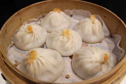小笼包配动漫美华裔开创意餐厅传承中华美食文化