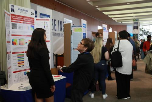 雷杰纳隆科学奖公布美国九名华裔学生入围前40名