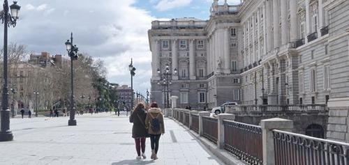 西班牙争夺中国游客盼打翻身仗三毛线路打造情怀游