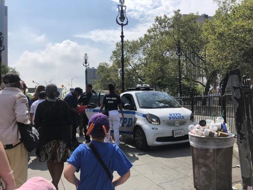 中国游客纽约布鲁克林大桥前被单车刮伤突发心脏病