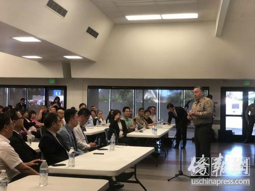 美国南加州侨团举办华人自我防卫讲座警局局长支招