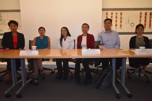 中国侨网旧金山华埠众多机构代表呼吁公众不要停止申领公共福利。(美国《世界日报》/黄少华 摄)