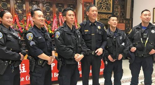 """旧金山警方举办""""华埠安全夜""""活动邀居民互动"""