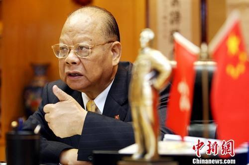 """人物志:""""领带大王""""曾宪梓:我要用尽一生为国家出力"""