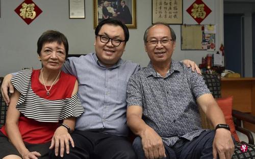 新加坡华文老师创语文中心热爱潮州戏曲出书致敬
