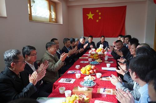 中國駐阿富汗大使赴華商協會慰問旅阿中國僑胞