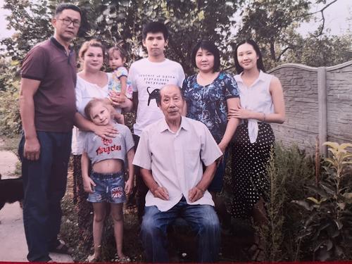 吉尔吉斯斯坦华人:为祖籍国自豪 因人民而骄傲
