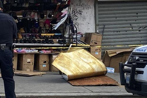 纽约强风吹落招牌一华裔妇女被砸身亡