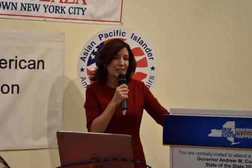 紐約州副州長訪紐約華埠號召華人積極參與人口普查