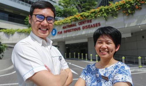 新加坡前线护士讲述抗疫甘苦:卸防护袍像做薄饼