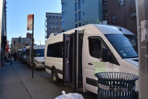 美國紐約州進入緊急狀態華人小巴乘客減半