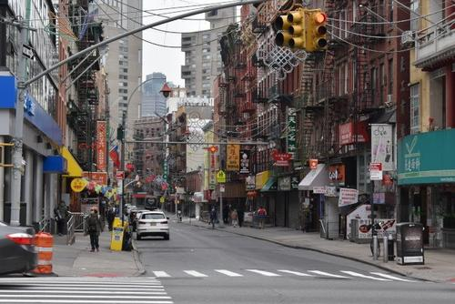 美国世界日报:生意冷清纽约曼哈顿华埠商家苦撑