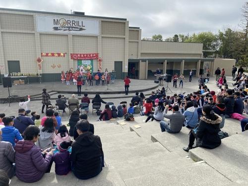 美加州学校迟迟不开学华裔家长表为难