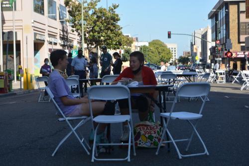 """美加州奧克蘭華埠開啟""""夏日步行街""""計劃"""
