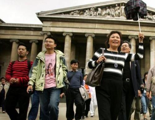 英媒:中国游客不惧恐袭访英人数不降反增