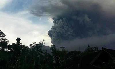 阿贡火山持续喷发 中领馆发布巴厘岛游客安置信息