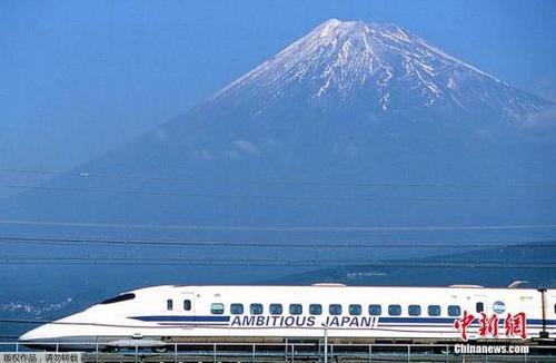 中国侨网资料图:日本富士山。