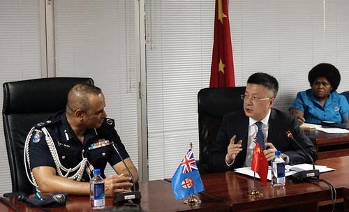 驻斐济大使拜会当地警务总监