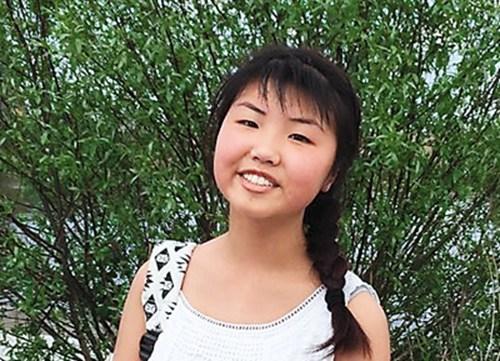 法国小姑娘维勒尼克才4岁半,她的爸爸已打算让她学中文.