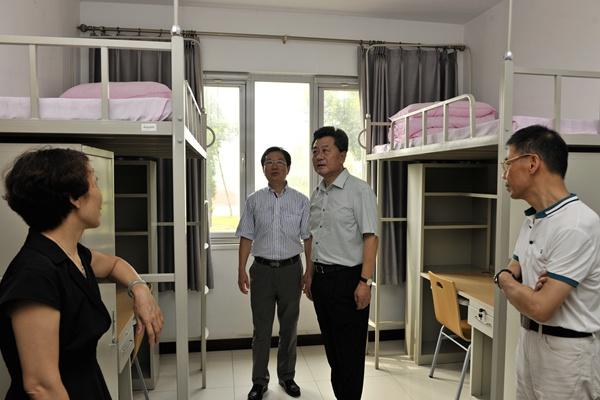 北京华文学院主教学楼,图书馆,泰来馆,游泳馆,体育馆,学生宿舍楼等图片