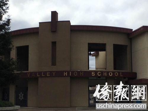 中国侨网不少家长认为普利桑顿高中有了中文选课是一个好的开始。(美国《侨报》/任子晟 摄)