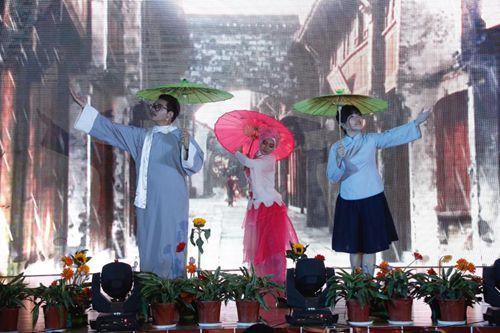中国侨网泰国、印度尼西亚学生朗诵《雨巷》
