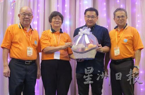 马来西亚侨领吁政府关注华教维护多源流教育体系