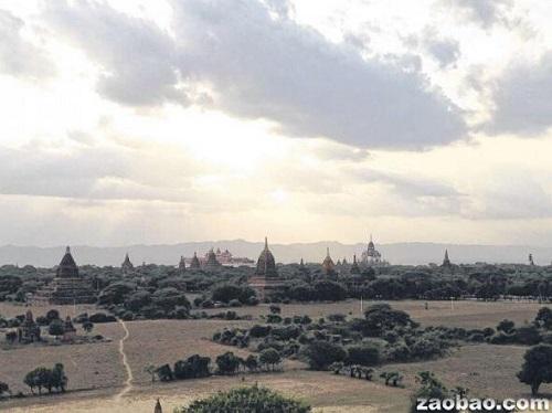 中国侨网-缅甸:出门见佛塔