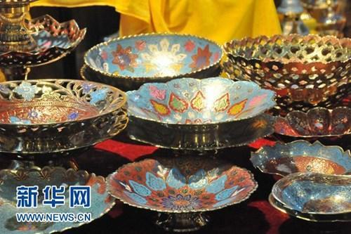 中国侨网9月13日,在广西南宁国际会展中心,印度展区的精美工艺品。新华网发 张茵摄
