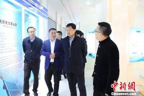 中国侨网姚志文(右二)调研。 资料图 摄