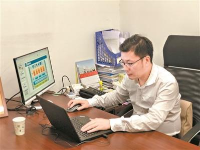 """海归""""程序员""""陆丁铭:为海外学子搭建一座桥"""