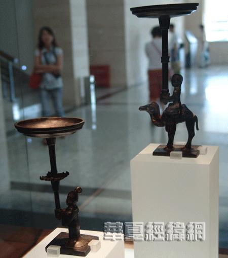 在湖北博物馆感受编钟情韵(图)(2)