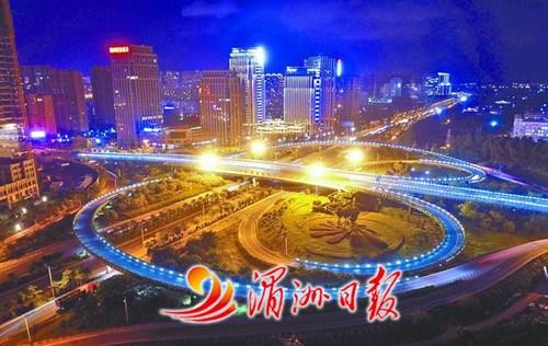 湄洲夜景图片_福建莆田夜景华灯璀璨 展现宜居城市形象-中国侨网