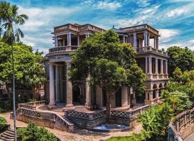 这座外观既像中式建筑又像西式建筑的别墅中楼,还有一个鲜为人知的